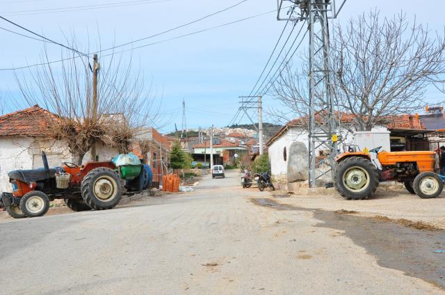 Başka bir ilçeye bağlanmak isterken ortada kalmışlardı! Mahalleli yine muradına eremedi
